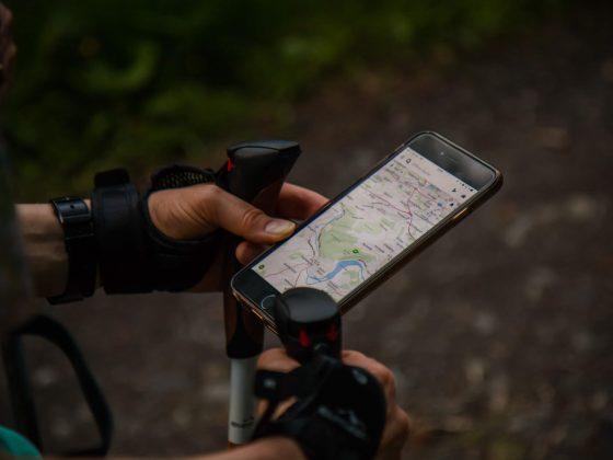 smartphone in escursionismo